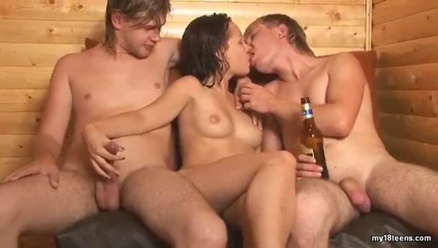 киска порно онлайн в сауне напоил студентку хотела
