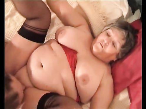 Мужик трахает раком свою толстую жену