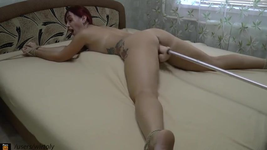 Видео Секса Дома2 Привязаный К Кровати