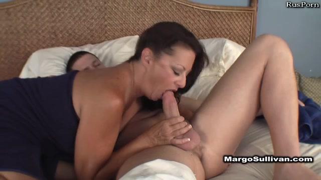 Порно сочная мать
